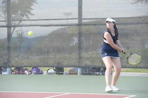 Girl's Tennis Makes It Big in New League