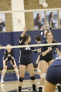 Girls' Volleyball Defeats Laguna Beach High School