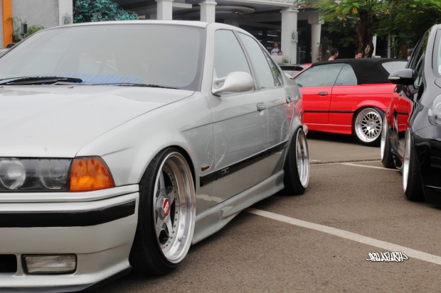 PRACTICALITY+OVER+PERSONALITY.+A+1997+BMW+M3+is+shown+with+stretched+tires+on+oversized+wheels+and+a+suspension+kit+that+lowers+and+stances+the+car+for+that+Hellaflush+look.+Hellaflush+puts+a+lot+of+stress+on+the+vehicle%E2%80%99s+chassis%2C+suspension%2C+and+drivetrain+components%2C+causing+long+term+damage.+It+can+also+be+a+hazard+to+the+driver+and+surrounding+vehicles.+Photo+Courtesy+of+fatlace.com