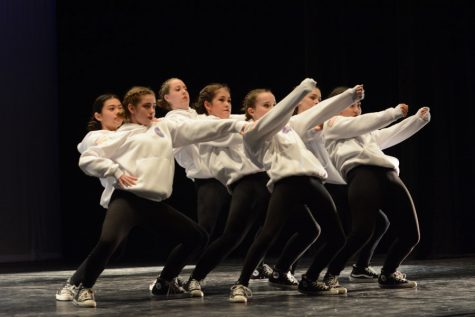 Student Choreography 'Breaks the News' in Dances Inspired by Real Events