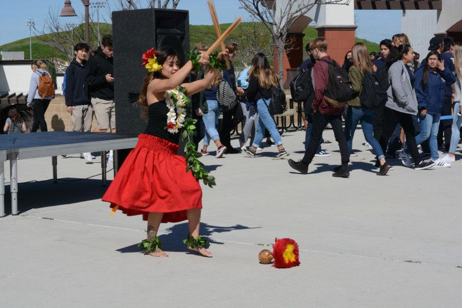 Among other performances at the fair, a traditional Polynesian dance was exhibited.