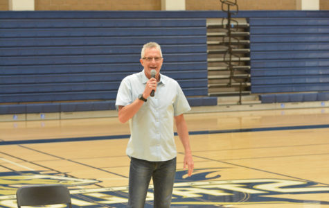 No Funny Business Here: Public Speaker Inspires Students