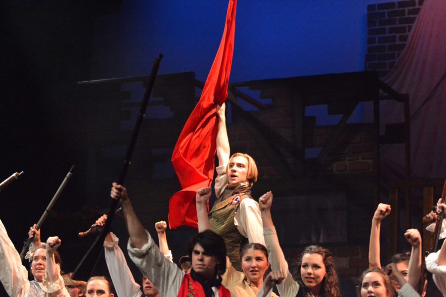 Slideshow: Les Misérables Outshines and Outsells