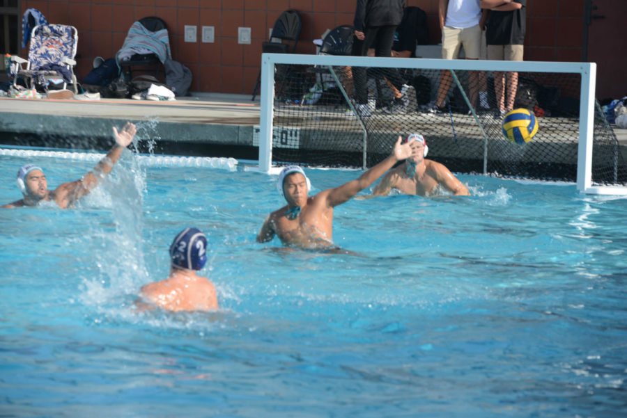 Ben+Bandettini%2C+2%2C+scores+a+goal+against+Aliso+Niguel%2C+contributing+to+the+final+score+12-10%2C+where+SJHHS+lost.