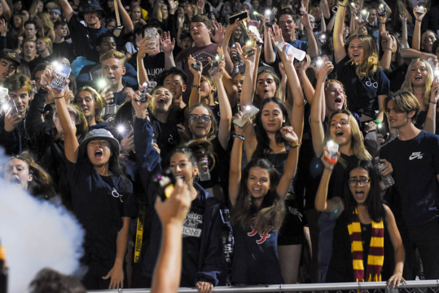 Student+Section+shows+support+for+Stallions+versus+Great+Oak+during+the+Homecoming+game.
