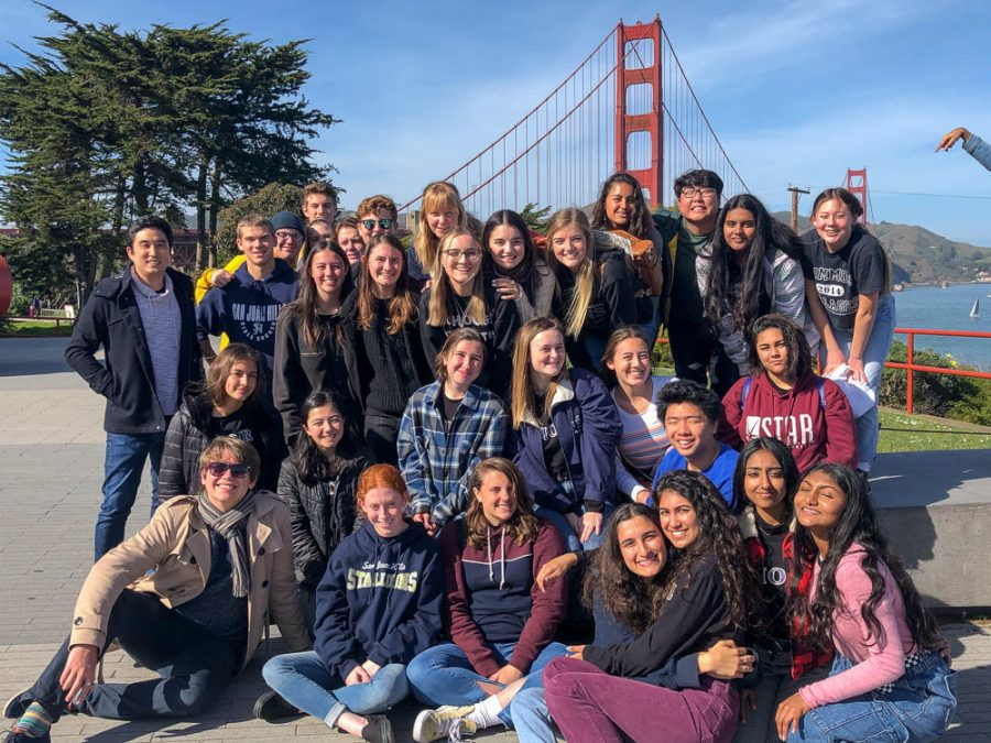 On the last day of their trip, students walked around and took photos in front of the Golden Gate Bridge.