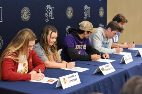 Last year, five senior athletes signed their National Letter of Intent during tutorial. Cade Albright signed to play Football at Brigham Young University, and his teammate Carson Lewis will signed to play Football at the University of San Diego. Angelica Gonzalez committed to play Softball at Iowa State University, and her teammate, Phoebe Popplewell, committed tp Ottawa University. Joshua Rauterkus signed his Letter of Intent to play Baseball at Whittier College.