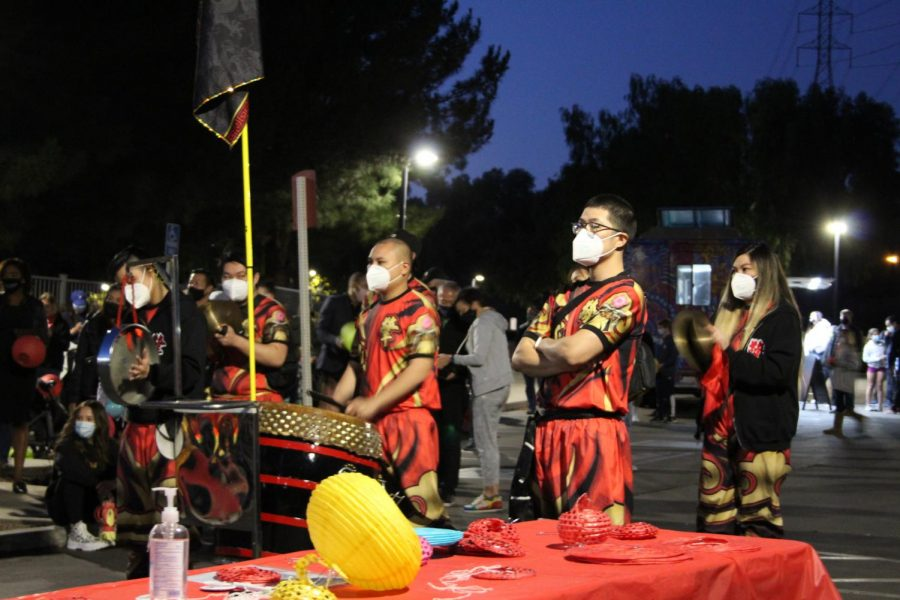 The Qing Wei Lion and Dragon dance troupe came to perform at the festival. The group performed the Zhou Jia styles of Chinese Kung Fu and Traditional Lion Dance.