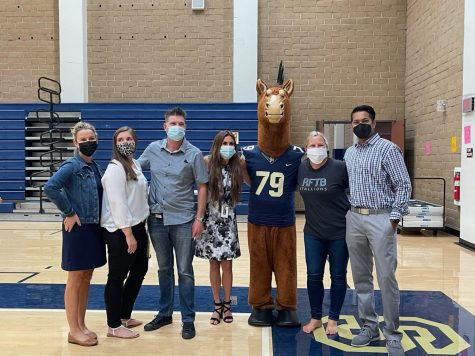 From left to right, assistant principals Amanda Bratcher, Alexandra Easton, Brian Brosamer, and Heather Bosworth smile next to Stanley the Stallion, ASB Advisor Brooke Valderrama, and principal Manoj Mahindrakar. Easton is a returning assistant principal, while the other three are new to the position.